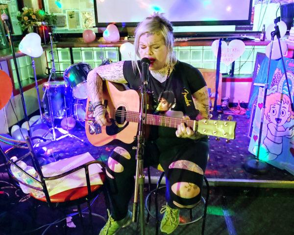 Kanaska Carter performs