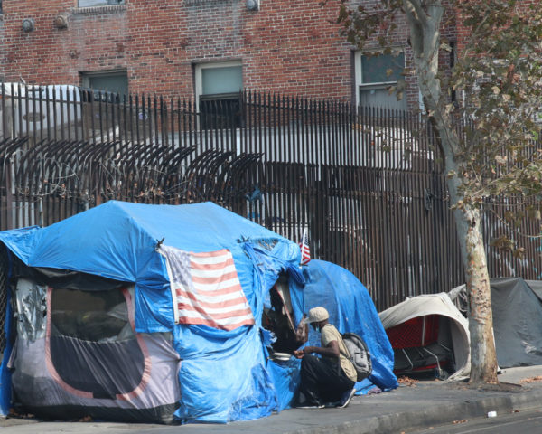 wealth inequality leads to more homelessness